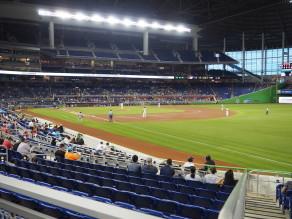Marlins Park - Baseballspiel der Miami Marlins