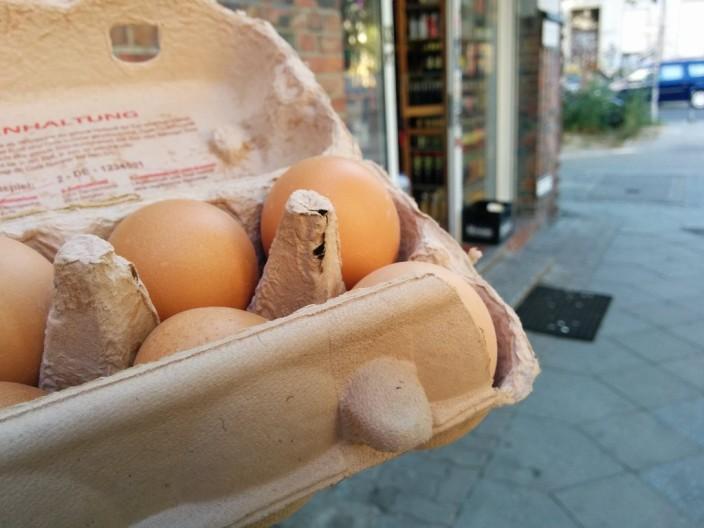 Eier im Späti, in Berlin auch am Feiertag kein Problem.