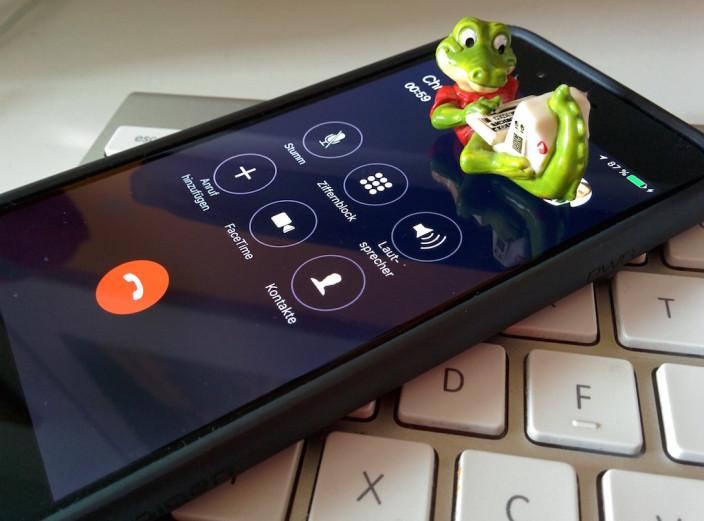 #4von12 Telefonkonferenzen, da macht man einfach auch mal andere Dinge.