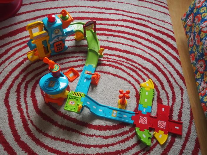 Tut Tut Flitzer anstelle von Eisenbahn.